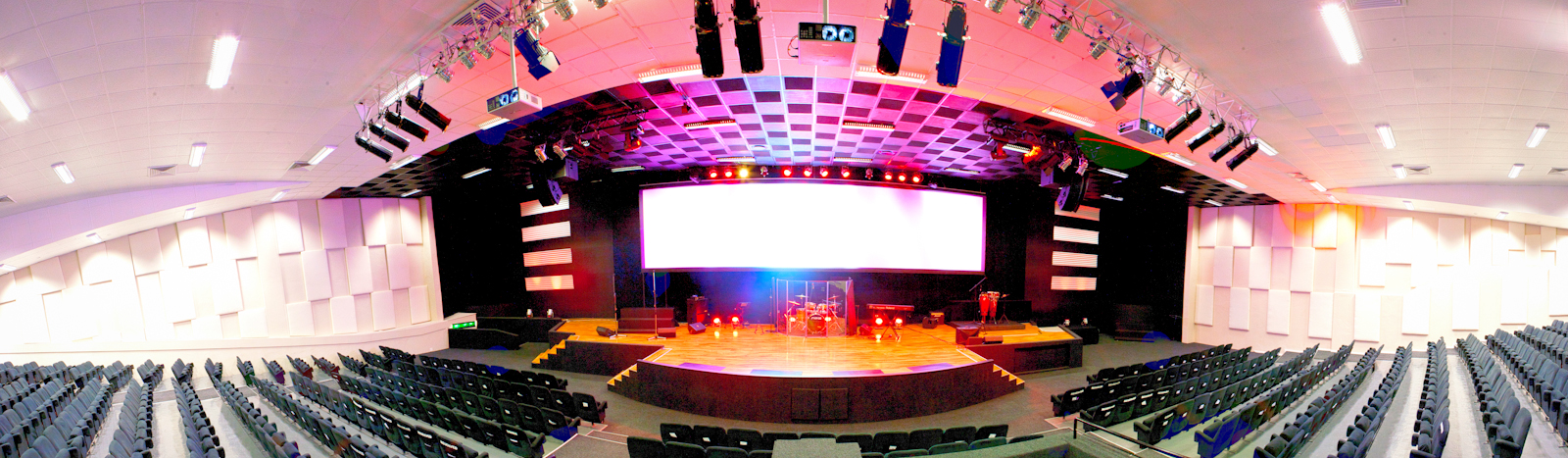stage_front_pano-lights on